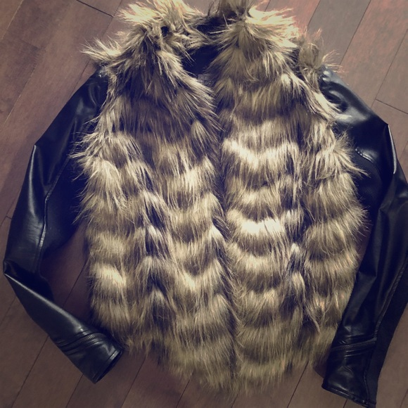 Guess leather jacket with fur